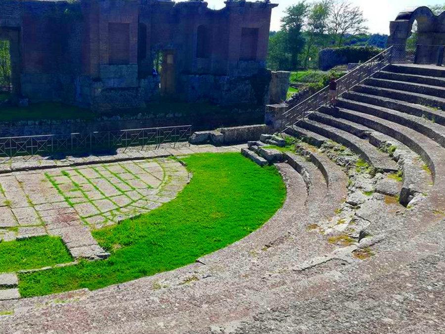 L' Antica Ferento, il Casale Ferriera, la Mola e il Teatro – 31 ottobre 2020
