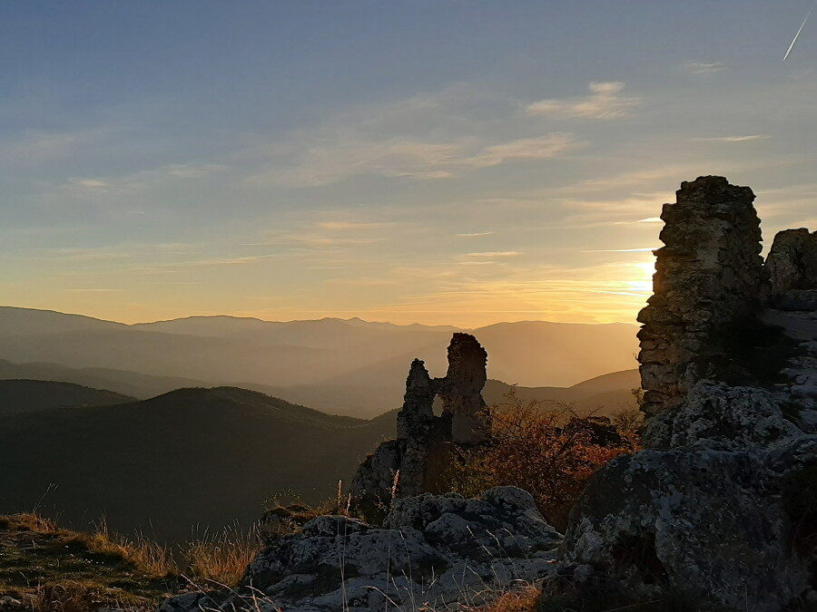 AL COMPLETO Il Gran Sasso: Rocca Calascio – 27 giugno 2021